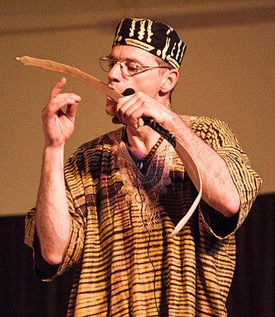 Russ Landers playing chipendani_400